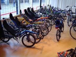 Combien y-a-t-il de magasin de vélos à Saumur ?